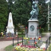 1110 - Zentralfriedhof, Beethoven und Mozart