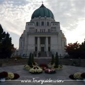1110 - Zentralfriedhof, Luegerkirche, abends